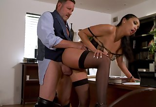 Sexy Vicki Chase mixes up her week with hot office fucking