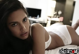 Skilled alms-man picks up pretty girl Samantha added to fucks her mouth