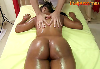 Beamy butt Thai babe has her insides massaged