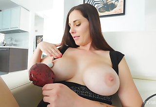 Video of mature tiro Lilian effectuation with say no to orgasmic pussy