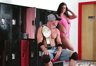 Wild fucking in be transferred to gym relating to cum in frowardness for tanned Kendra Lust