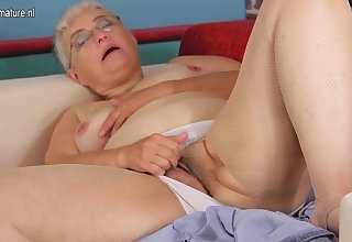 This Hairy Mature Slut Loves To Play Alone - MatureNL