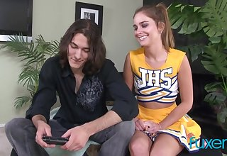 Handsomeness cheerleader Natalie gets messy facial detach from her horn-mad boyfriend
