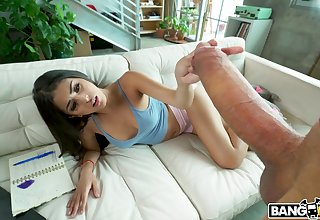 Dude with a chubby dick fucks juicy pussy of cloudy babe Sophia Leone
