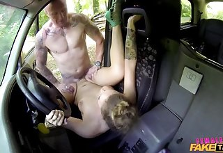 Lucky Guy Gets Be captivated by and Free Ride