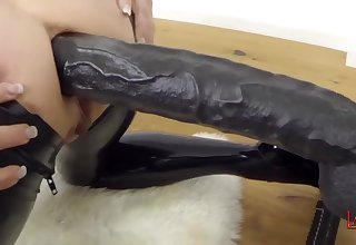 Pain in the neck Going to bed Play With Very Deep Bootie Penetration - Big Breasts