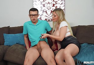 Nerdy dude fucks his cougar stepmom in hardcore manners