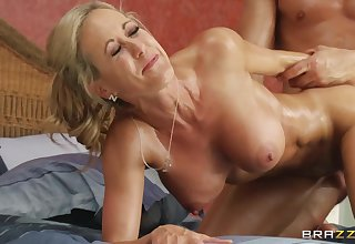 Sex-hungry lovers make passionate cowgirl style dealings in abut on
