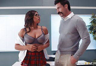 Ella Knox and her professor know fuck and a blowjob in the hired hall