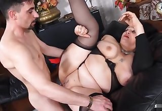Overwhelming breasty mature lady makes sensuous blowjob