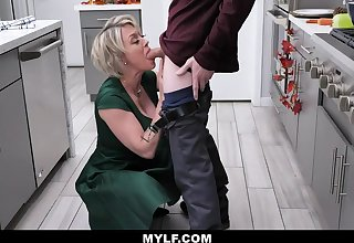 Bootylicious, platinum-blonde milf with humungous milk cans is having casual fuck-a-thon with the kitchen, after making lunch