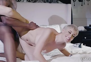Gorgeous Ryan Keely moves her Negro panties for friend's hard cock