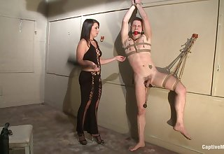Mistress pest fucks her underling to the fore letting him eat her pussy