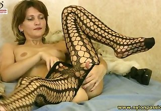 Some steamy pantyhose solo scene with a sex-mad amateur chick