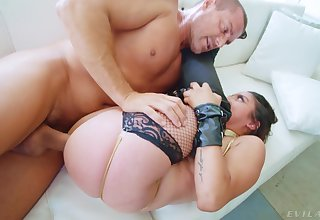 Seductive inclusive throats and rides the chunky dig up in excellent XXX