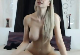 comme ci beauty forth big tits rides dildo
